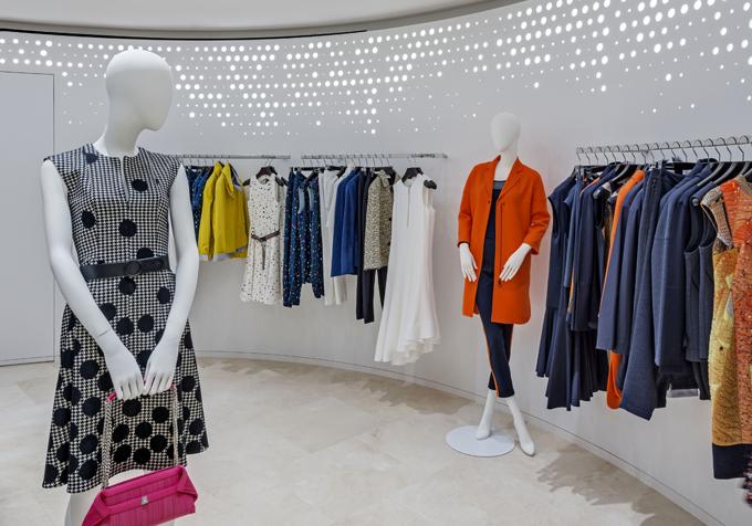 Commercial Retail Interior Design Houston Floor Display Showroom curved hanging displays