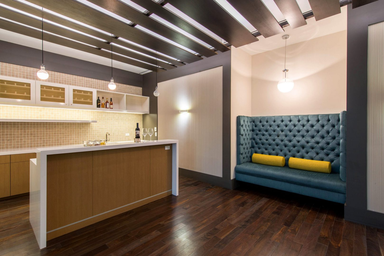 Corporate Law Interior Design Heard Robins Cloud and Black Breakroom Island Banquette