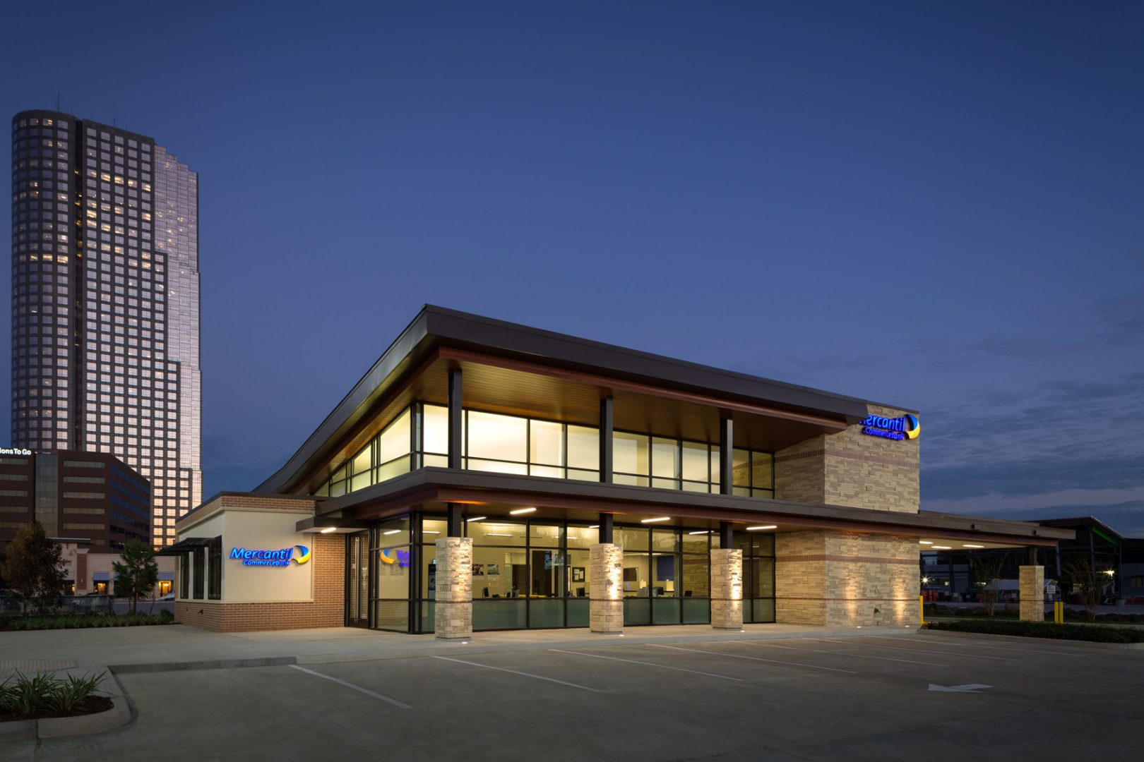 Commercial Financial Retail Design Mercantil Commercebank Tanglewood Houston Night Facade