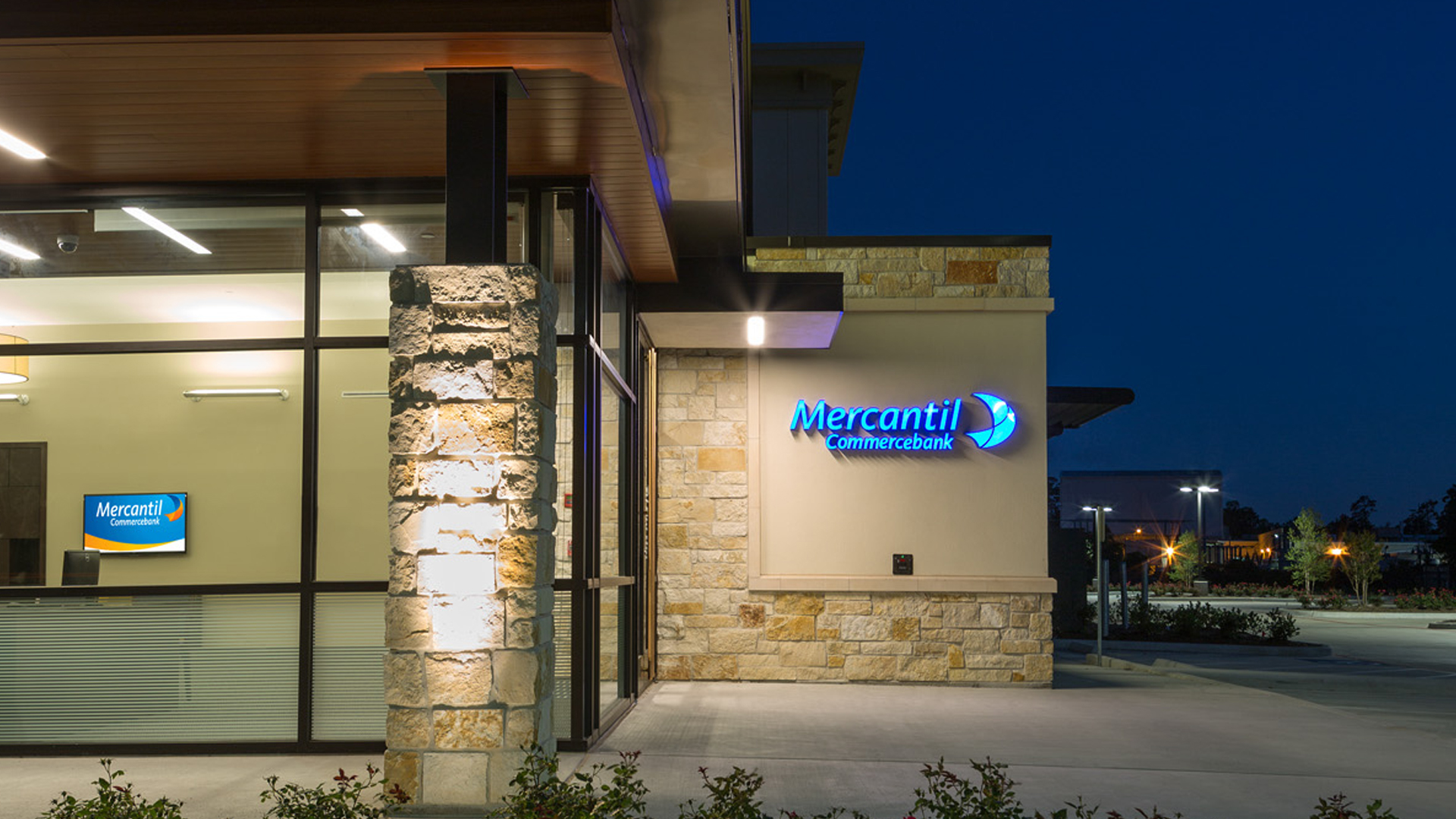 Commercial Financial Retail Design Mercantil CommercebankThe Woodlands Stone Timber Details
