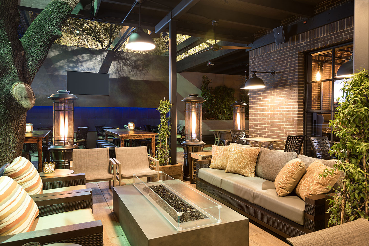 WILLIE G'S HOUSTON Hospitality Restaurant Interior Design Patio Outdoor Seating