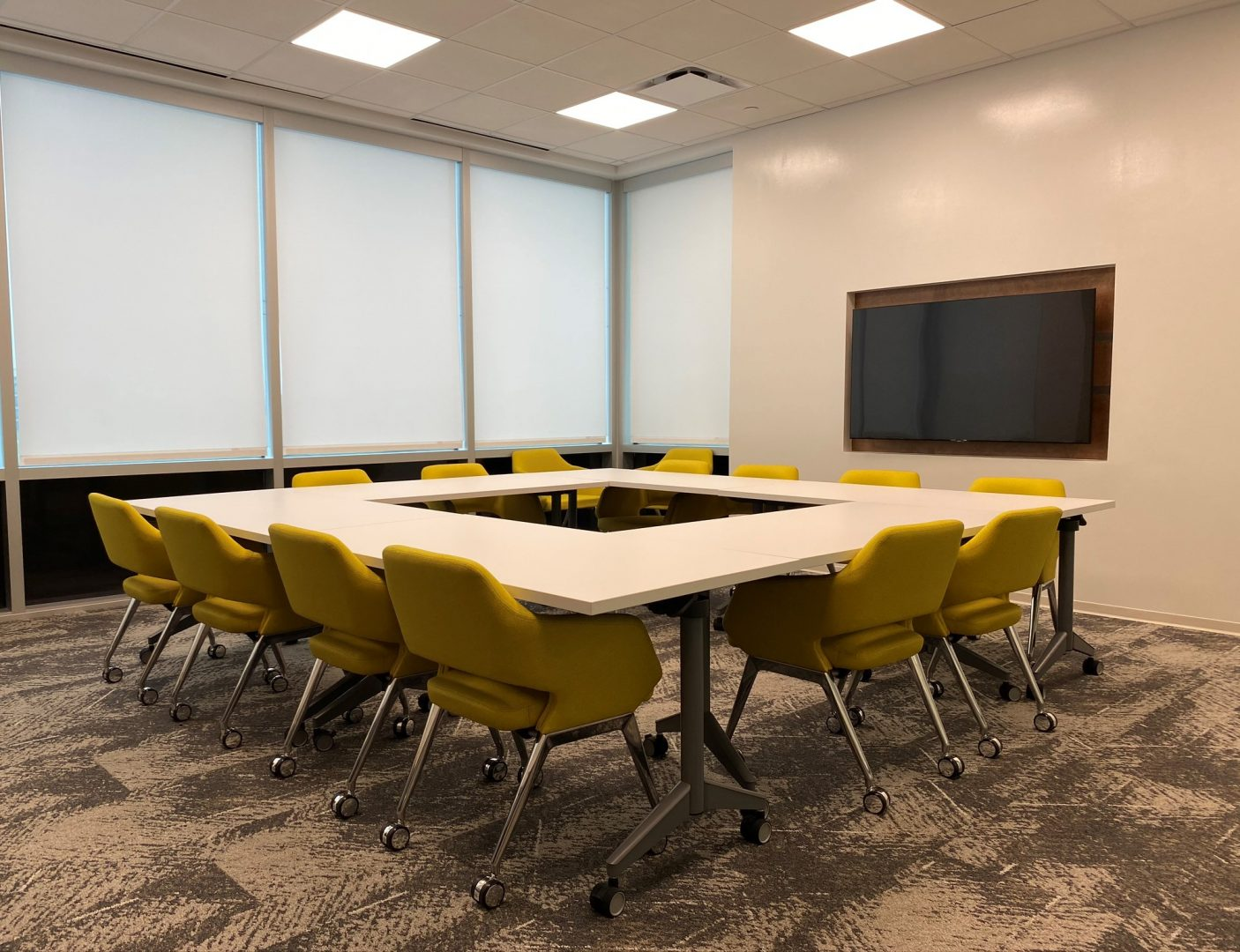 Healthcare-Modern-Waiting-Room-Design-Conference-Room