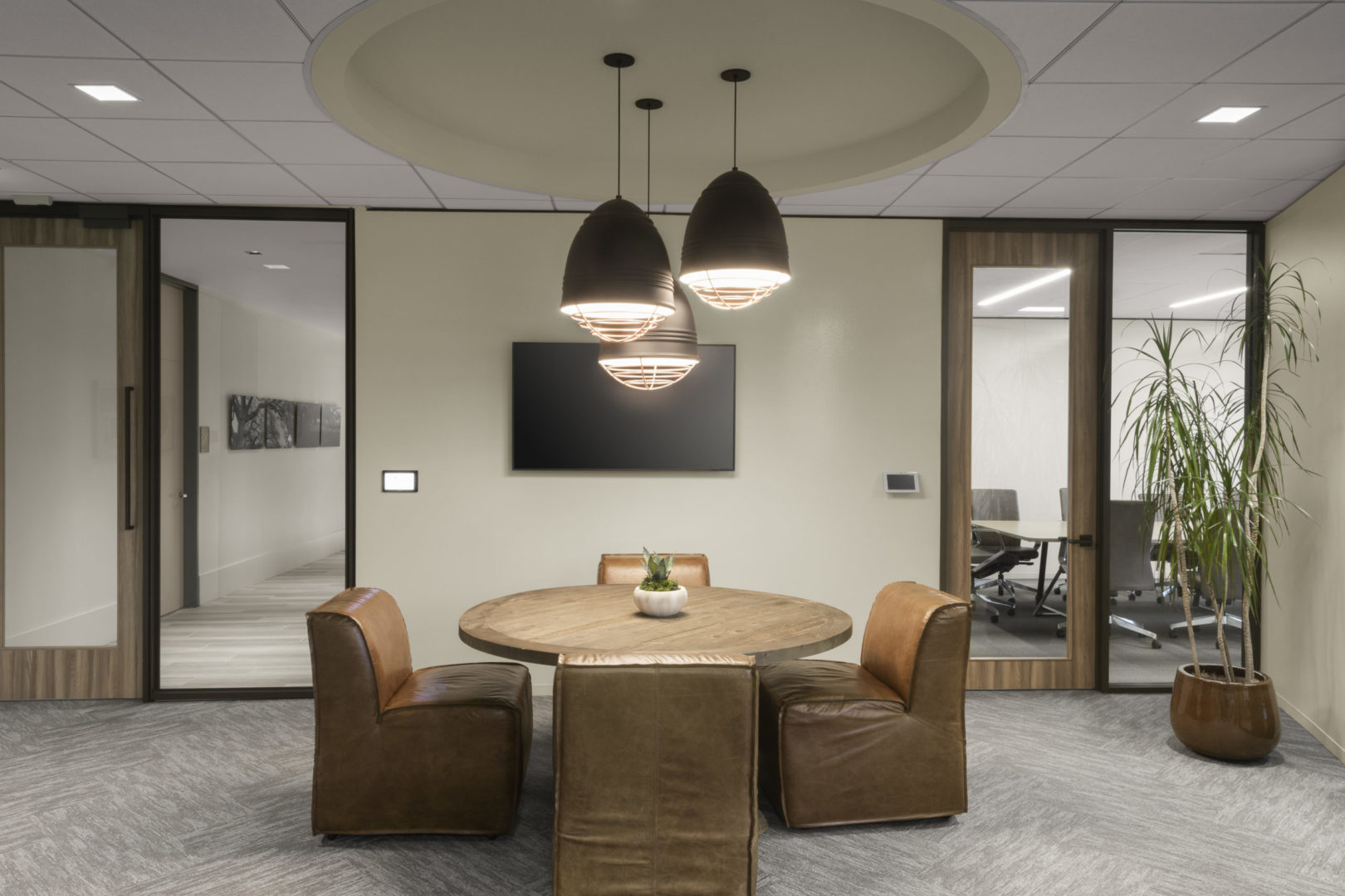 Encino Energy_Open Collaboration Area with Leather Seating